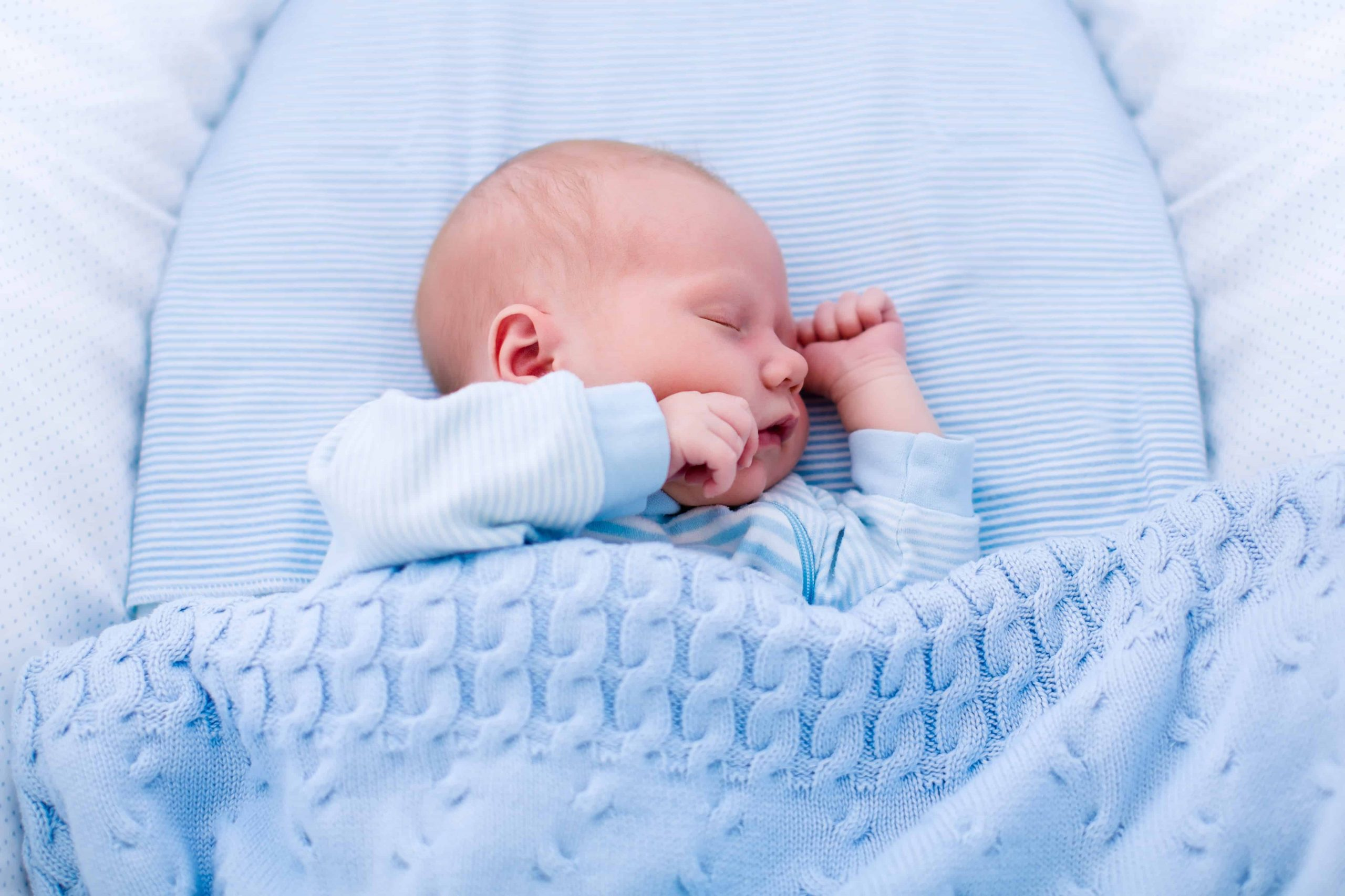 Schlafbedarf Baby: Die wichtigsten Fragen und Antworten